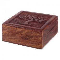 Caja de madera entallada...